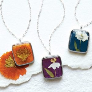 This birth month flower necklace